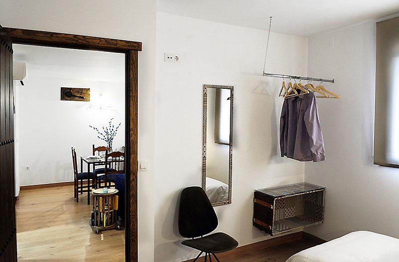 Los suelos del apartamento son de parqué, para que estés siempre a la temperatura ideal.