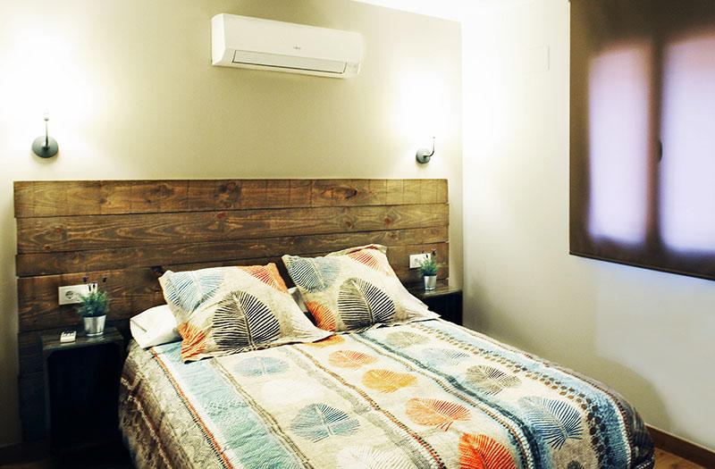 Despues de descansar en esta gran cama tendrás la fuerza suficiente como para hacer rutas en Monfragüe.