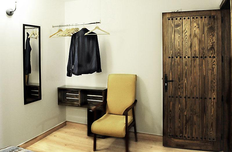 Las habitaciones de la casa rural son espaciosas y nuevas.